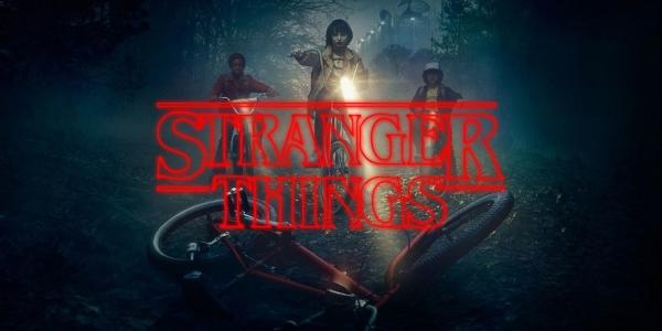 Stranger Things Critique série