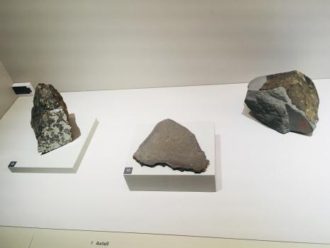 météorite ; entre ciel et terre ; muséum histoire naturelle