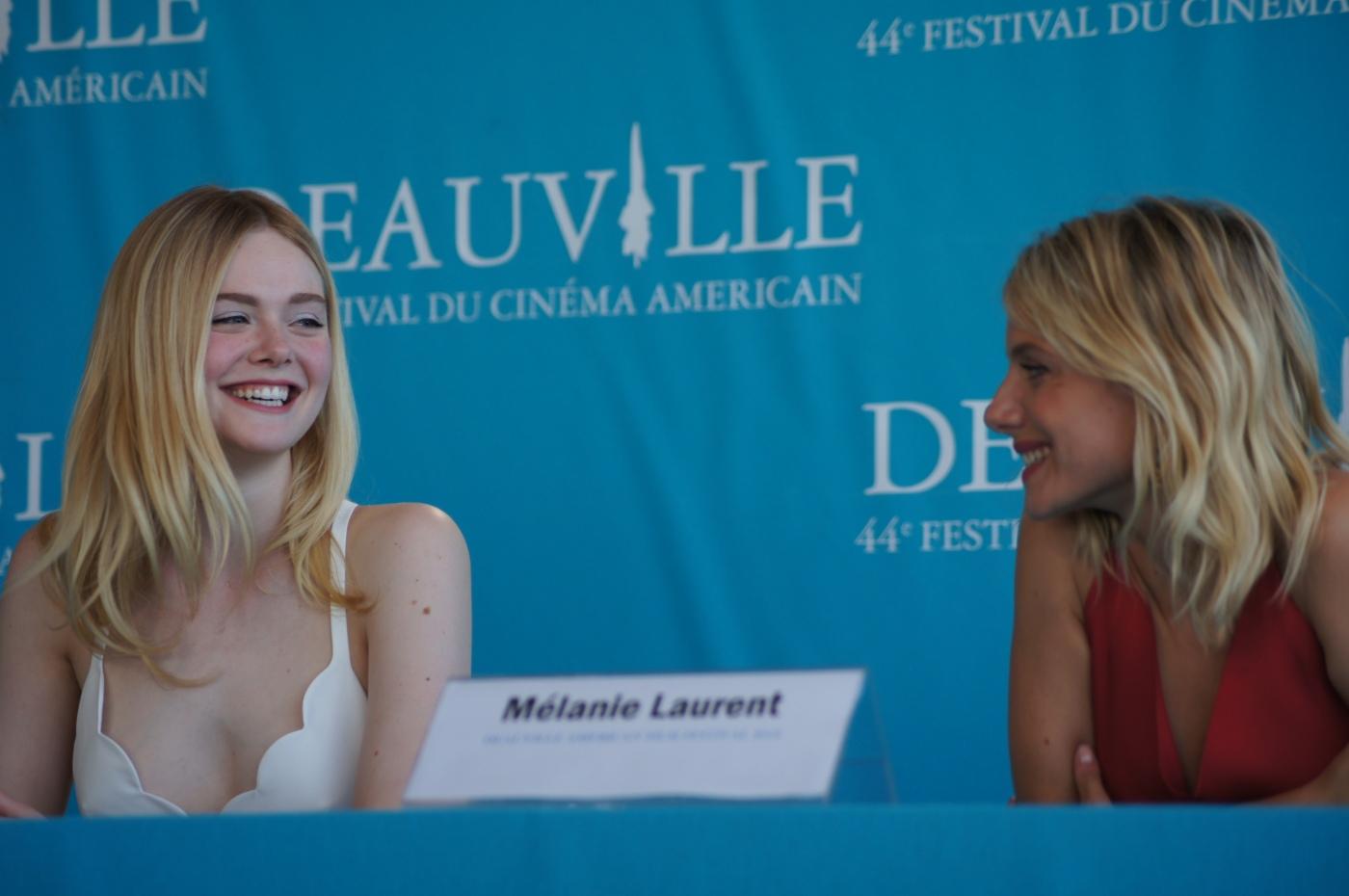 Elle Fanning et Mélanie Laurent ; conférence presse ; festival Deauville 44